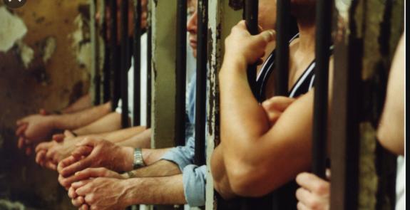 Vaccinati o prigionieri?
